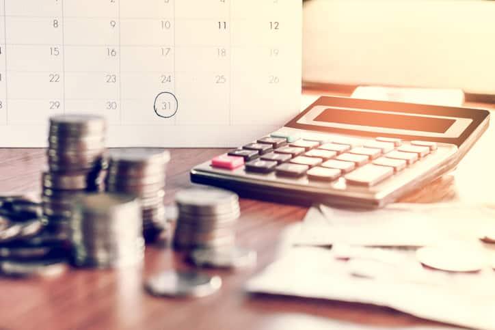 Calendrier pièces de monnaie et calculatrice